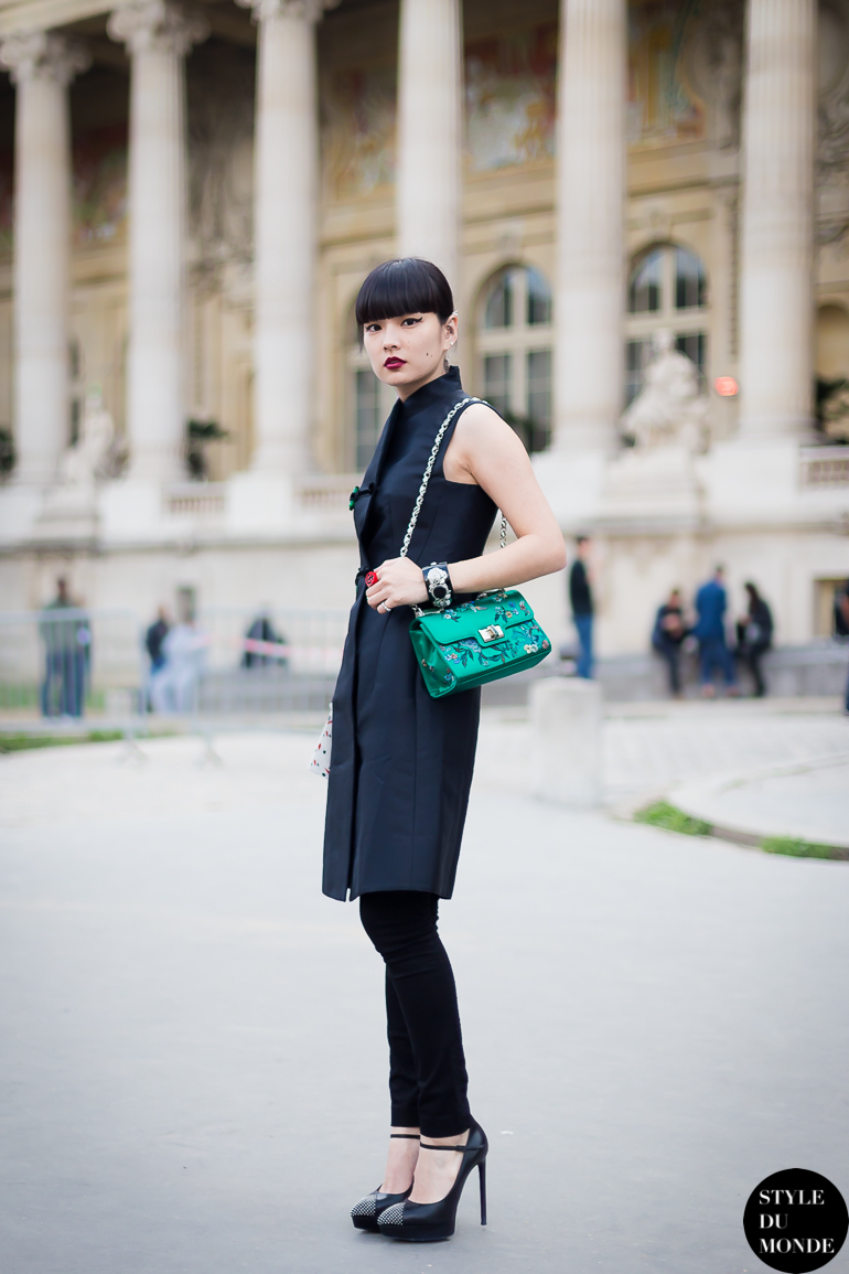 Kozue Akimoto 秋元梢 Street Style Street Fashion by STYLEDUMONDE Street Style Street Fashion blog