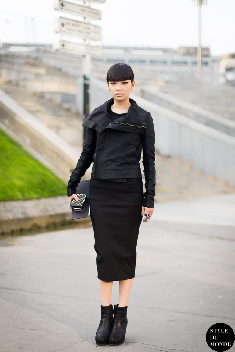 Kozue Akimoto Street Style Street Fashion by STYLEDUMONDE Street Style Street Fashion blog