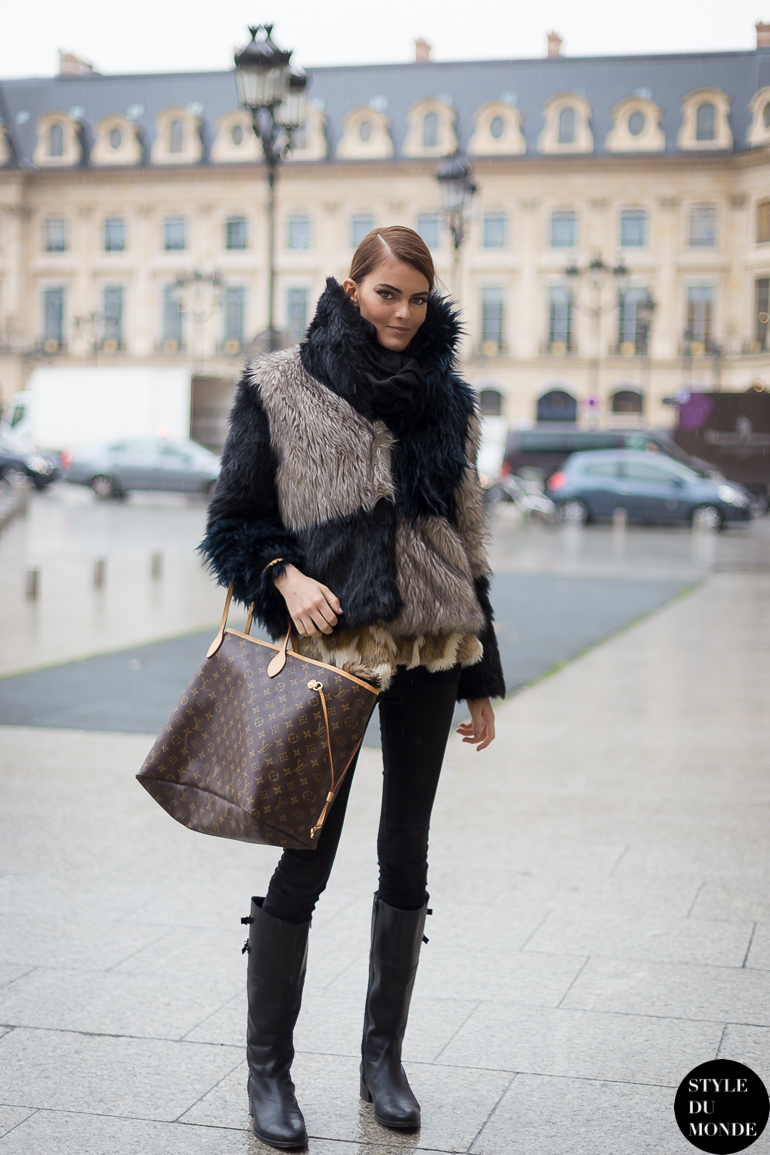 Model off duty Street Style Street Fashion by STYLEDUMONDE Street Style Fashion Blog