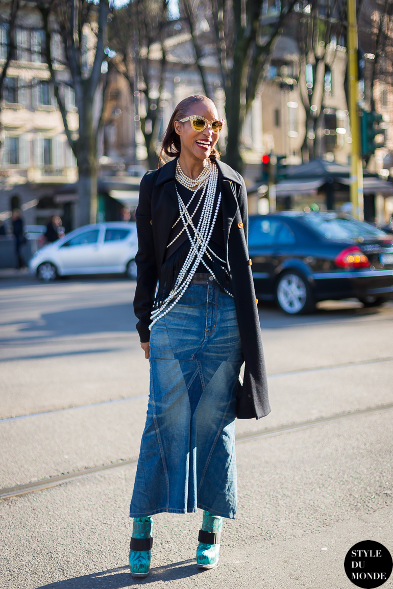 Denim skirt style du monde street style street fashion photos Celine fashion street style