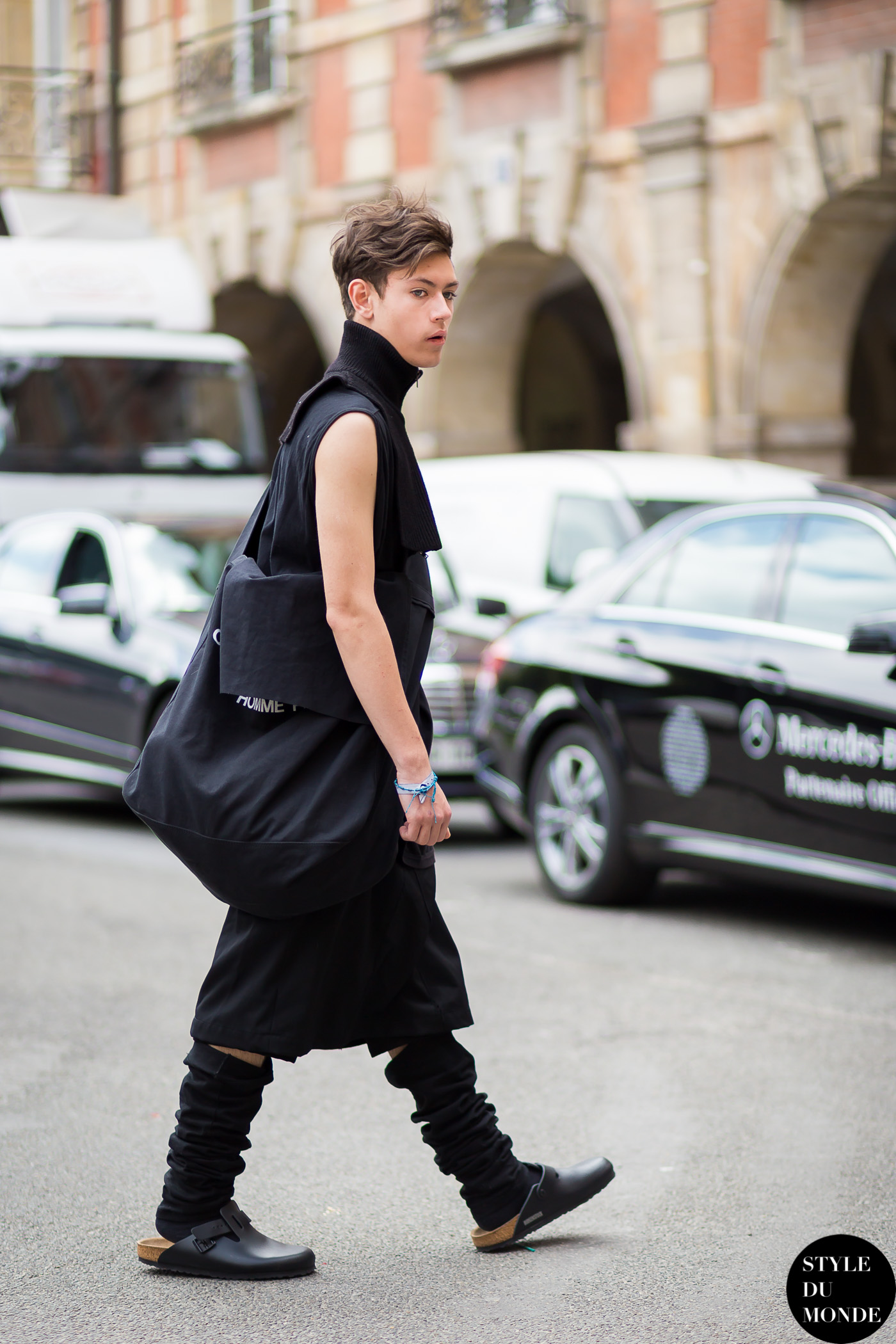 All black outfit Street Style Street Fashion Streetsnaps by STYLEDUMONDE Street Style Fashion Blog