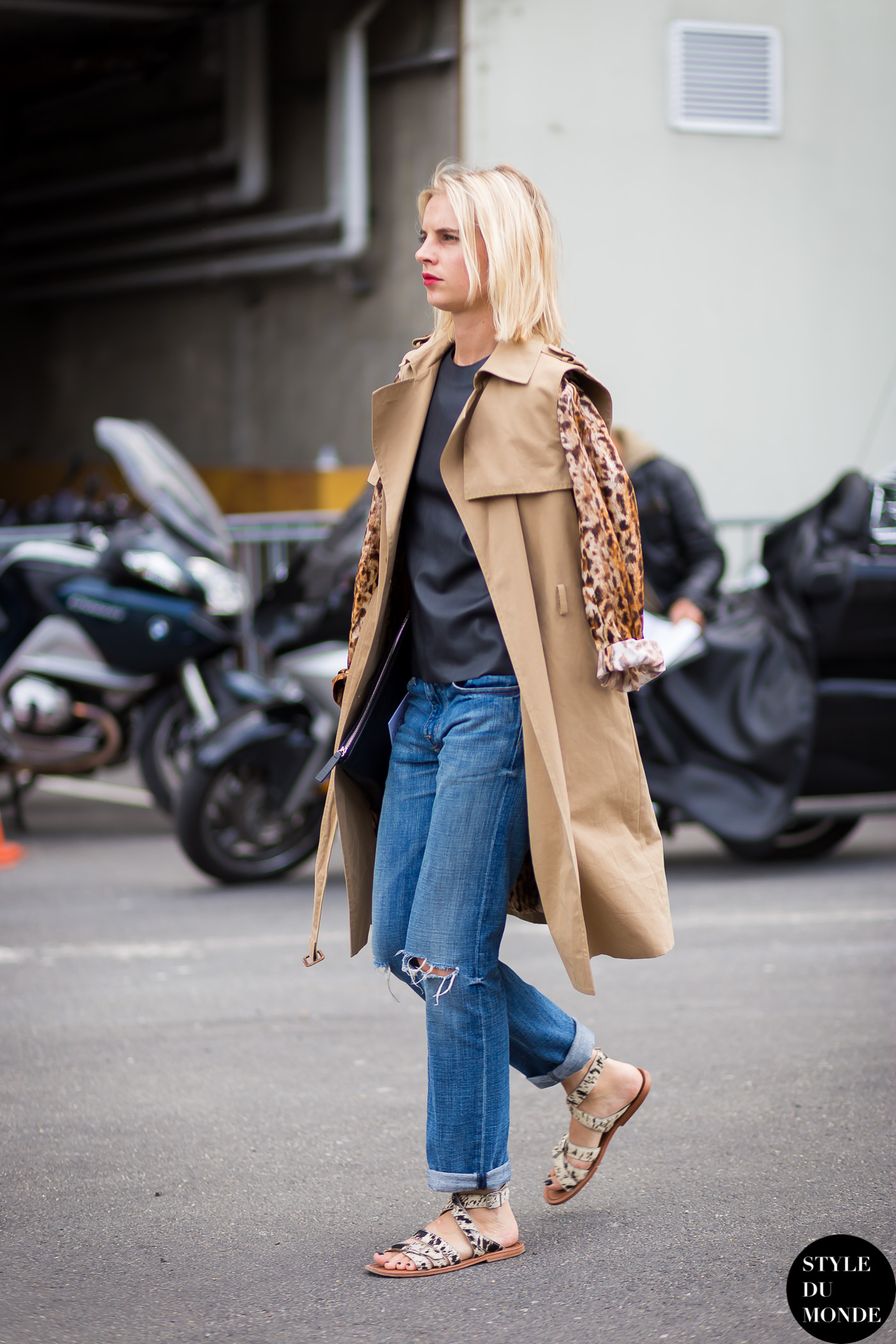 Before Givenchy Street Style Street Fashion Streetsnaps by STYLEDUMONDE Street Style Fashion Blog