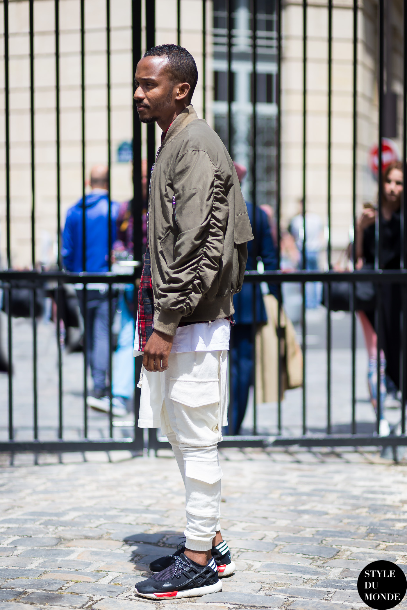 Before Y-3 Street Style Street Fashion Streetsnaps by STYLEDUMONDE Street Style Fashion Blog