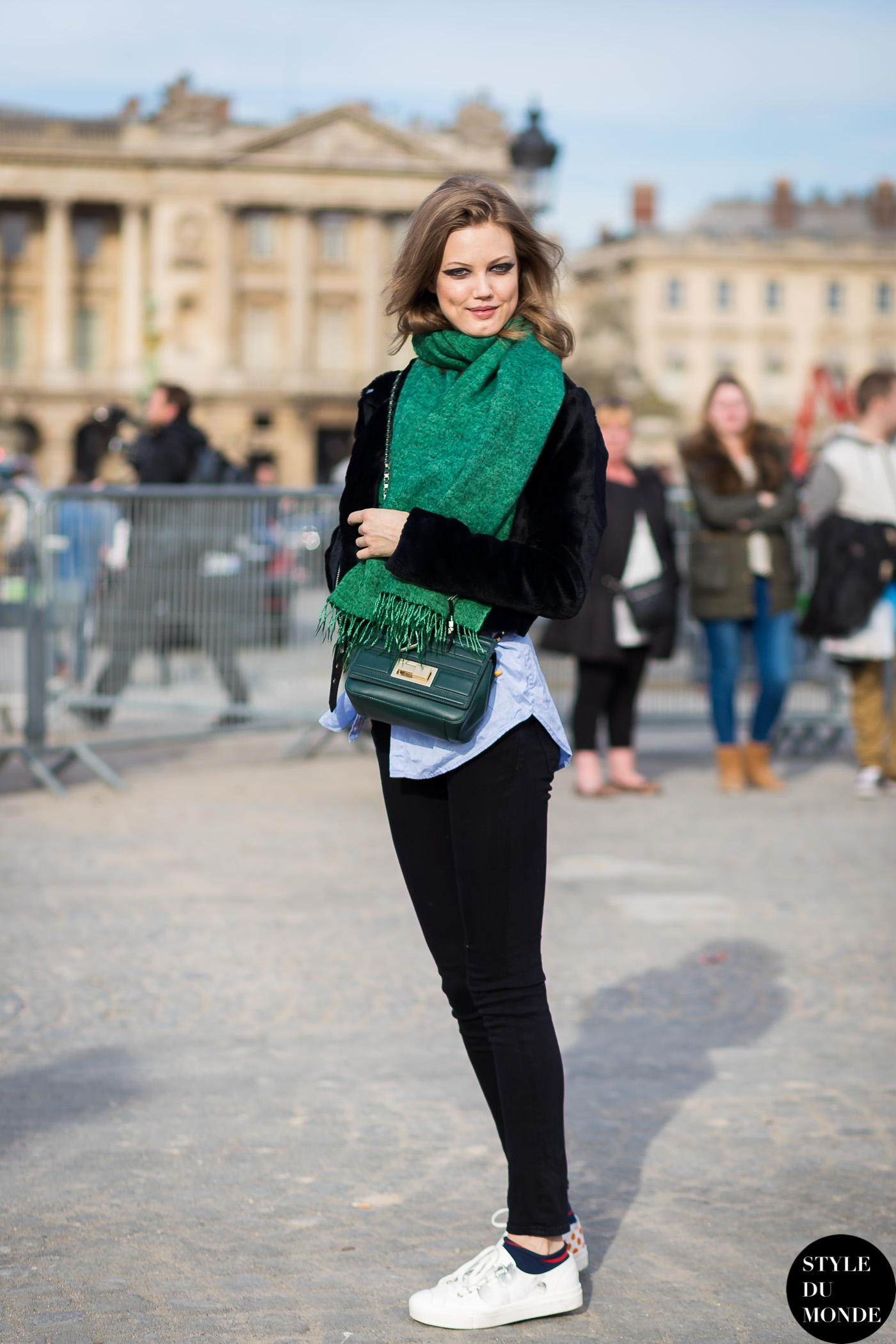 Lindsey Wixson Street Style Street Fashion Streetsnaps by STYLEDUMONDE Street Style Fashion Blog