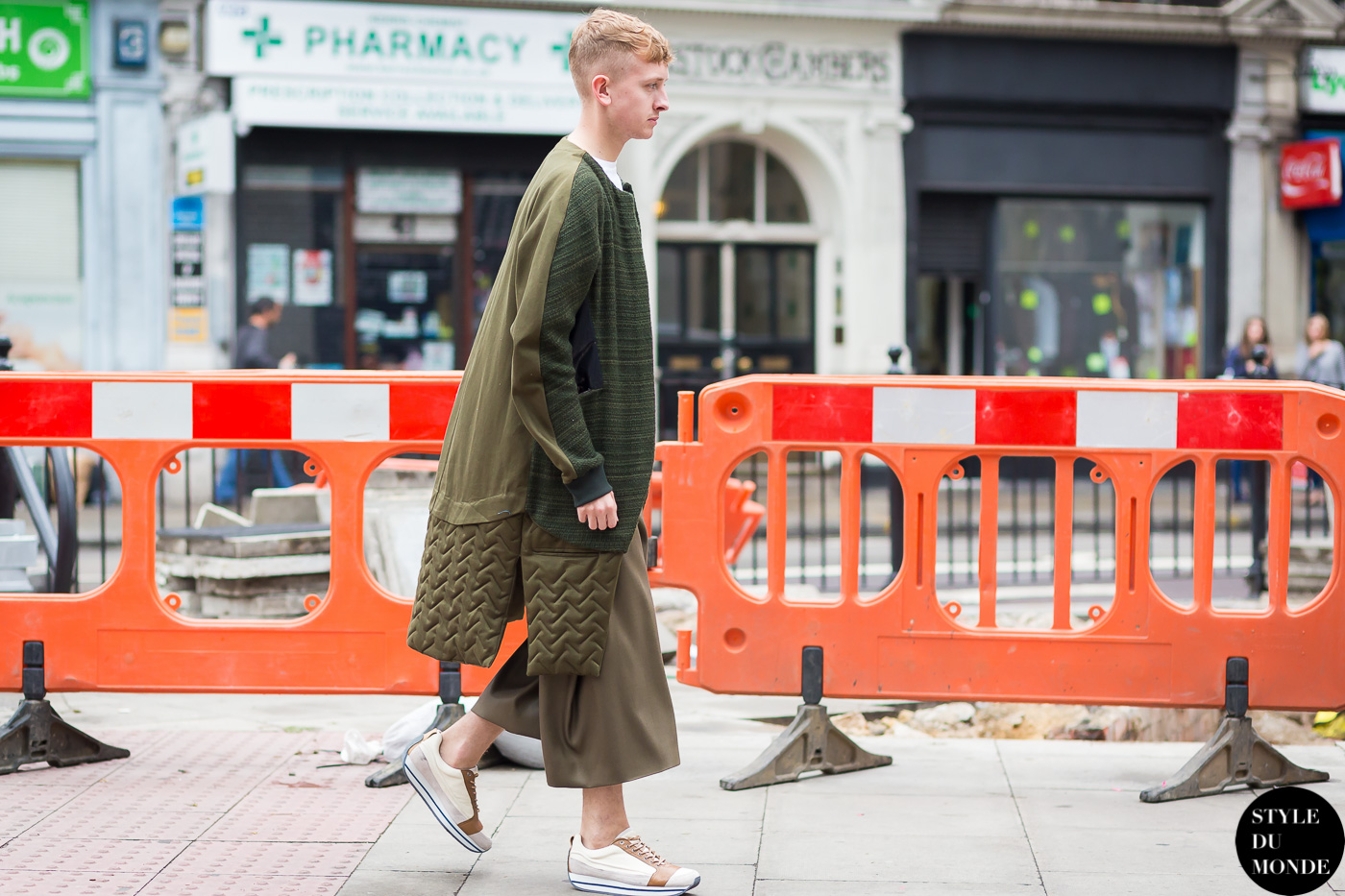 Before James Long Street Style Street Fashion Streetsnaps by STYLEDUMONDE Street Style Fashion Photography