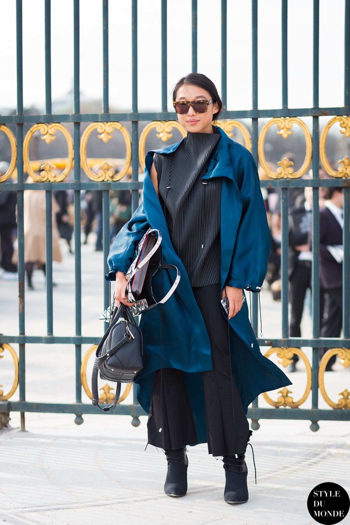 Margaret Zhang 章凝 Street Style Street Fashion Streetsnaps by STYLEDUMONDE Street Style Fashion Photography