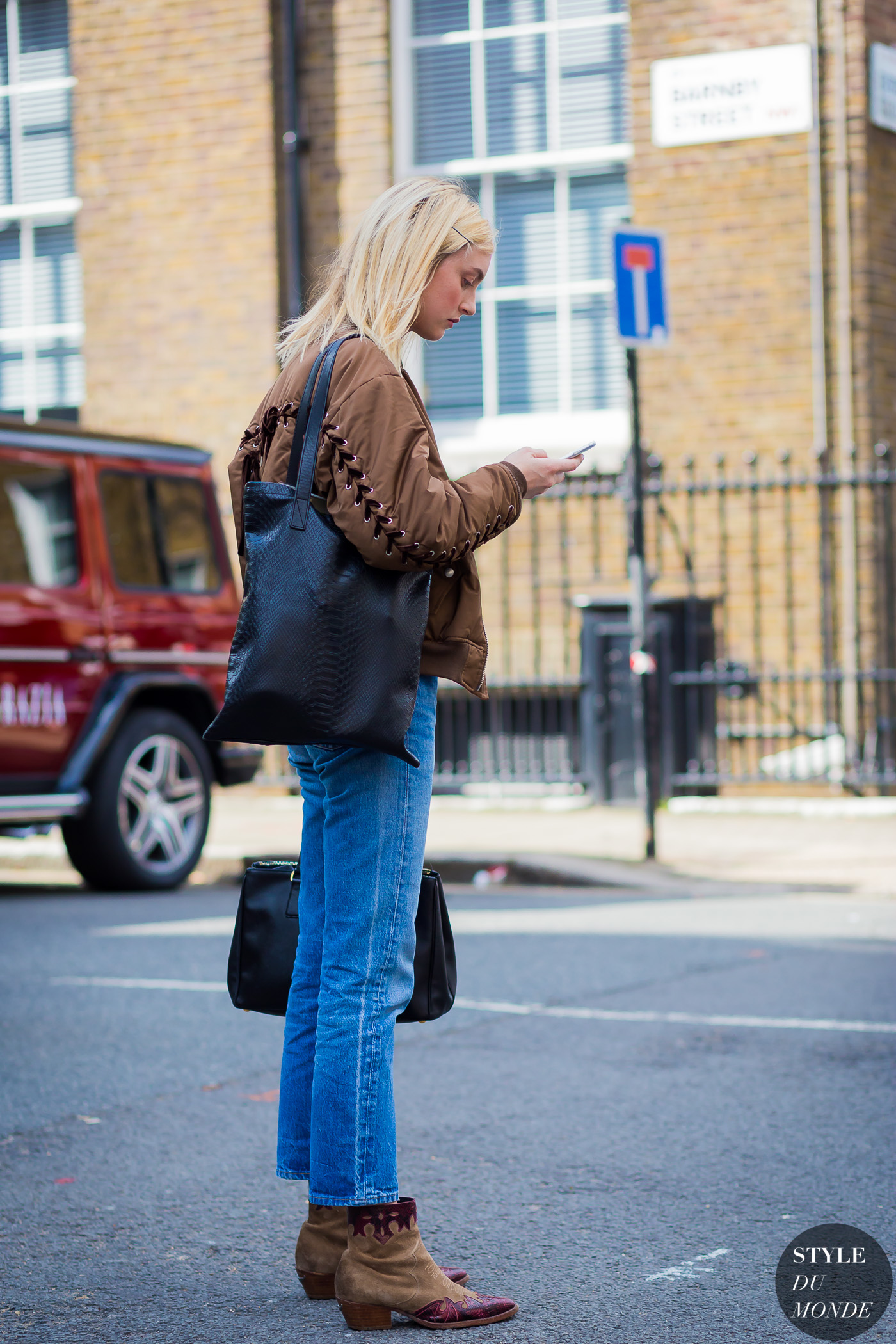 Frances Coombe Street Style Street Fashion Streetsnaps by STYLEDUMONDE Street Style Fashion Photography