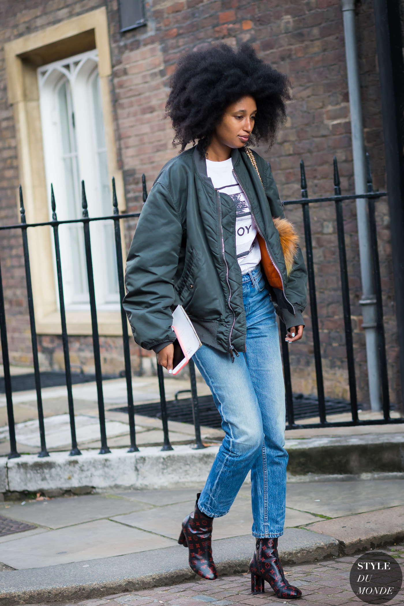 Julia Sarr-Jamois Street Style Street Fashion Streetsnaps by STYLEDUMONDE Street Style Fashion Photography