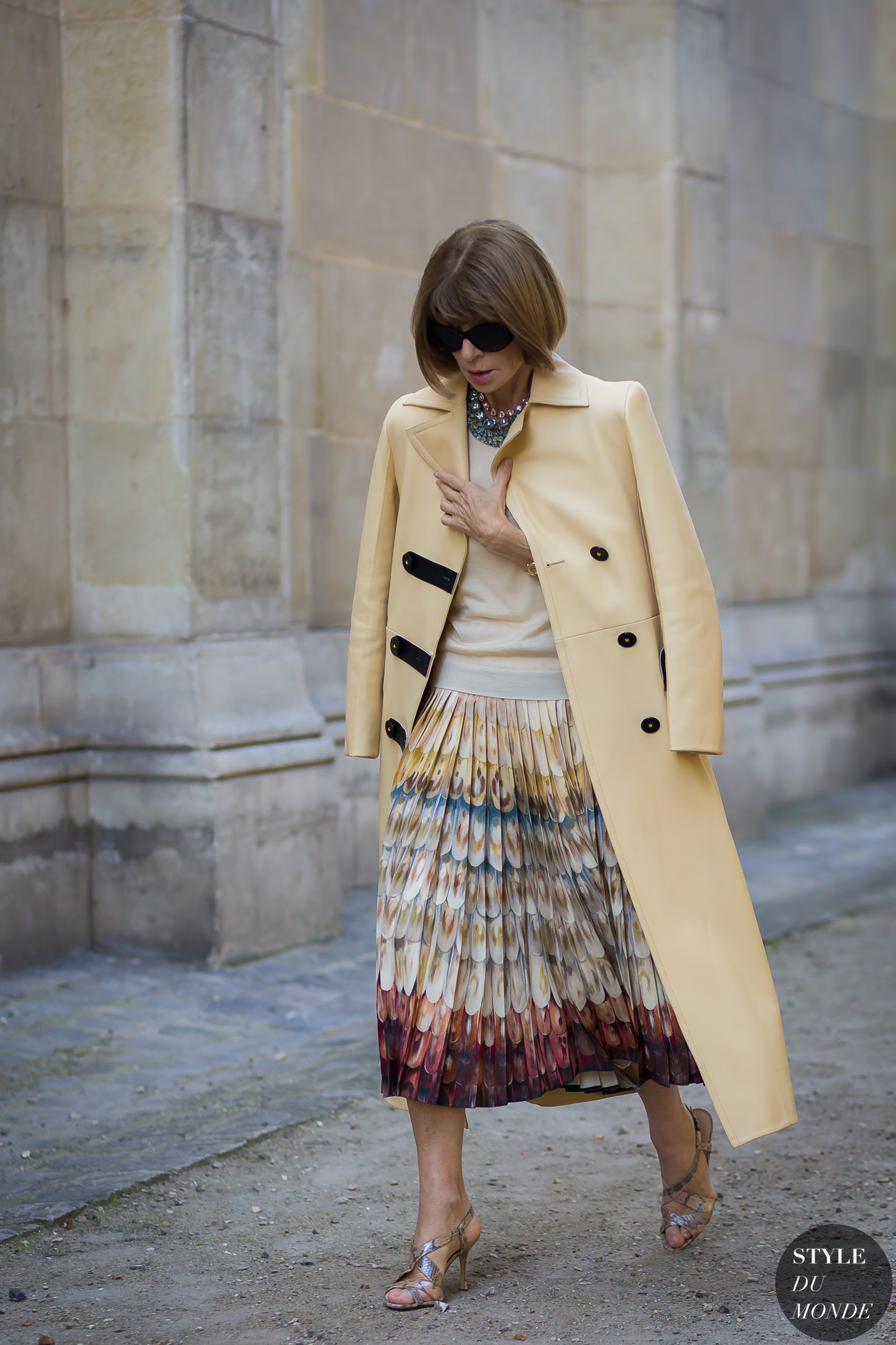 Anna Wintour Street Style Street Fashion Streetsnaps by STYLEDUMONDE Street Style Fashion Photography