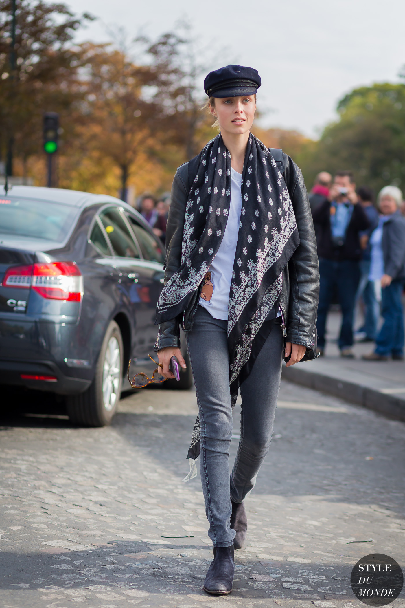 Edie Campbell Street Style Street Fashion Streetsnaps by STYLEDUMONDE Street Style Fashion Photography