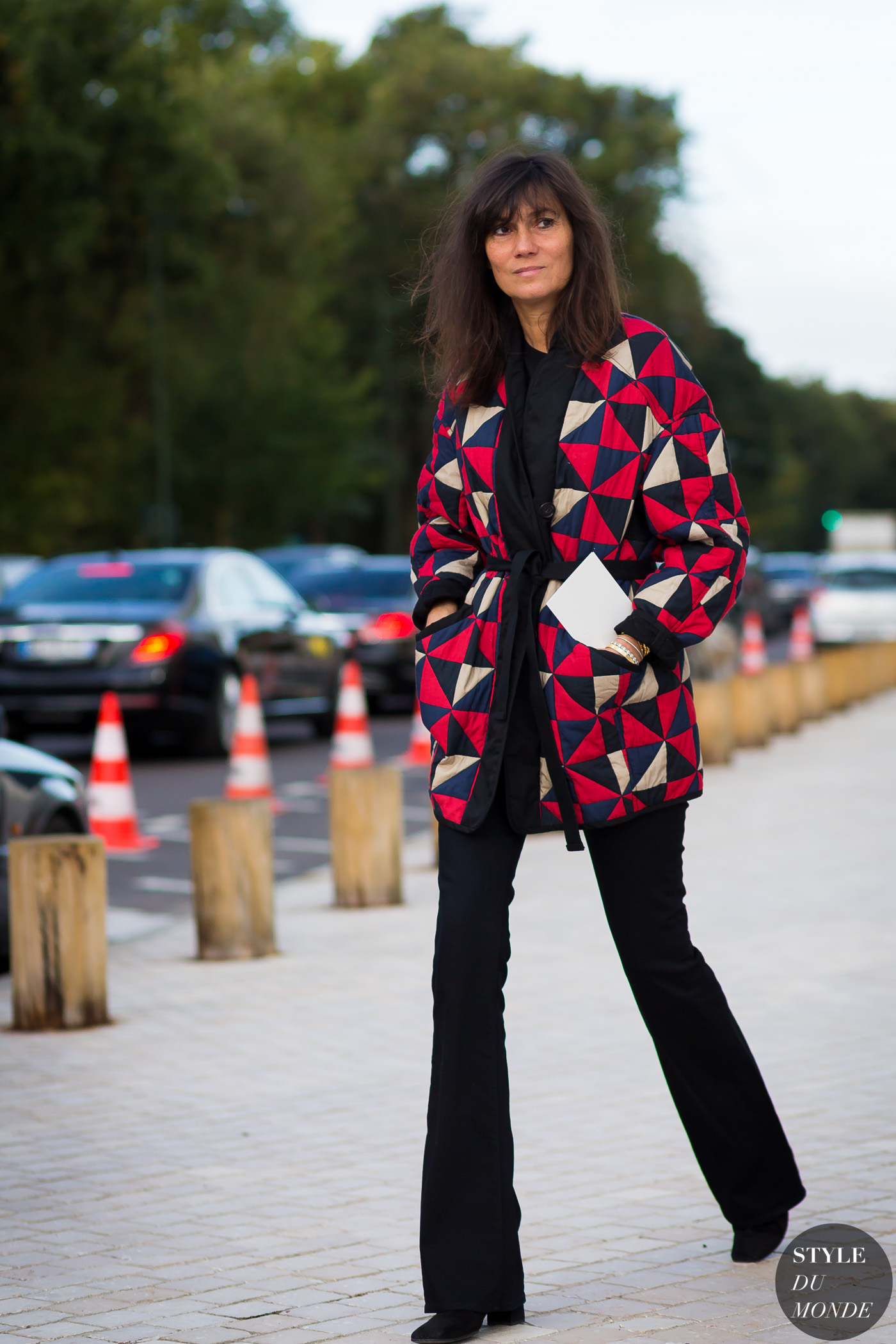 Emmanuelle Alt Street Style Street Fashion Streetsnaps by STYLEDUMONDE Street Style Fashion Photography