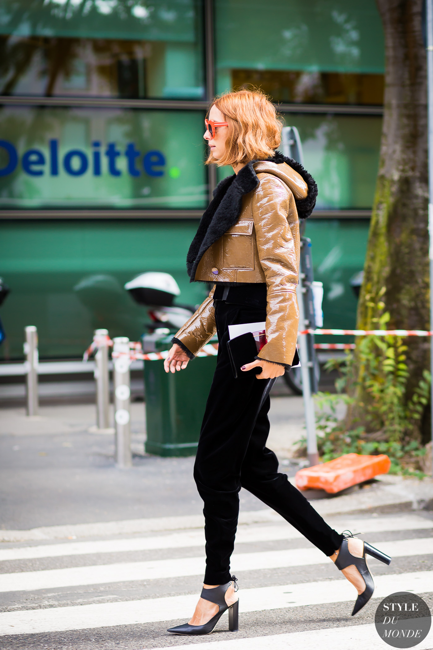 Candela Novembre Street Style Street Fashion Streetsnaps by STYLEDUMONDE Street Style Fashion Photography