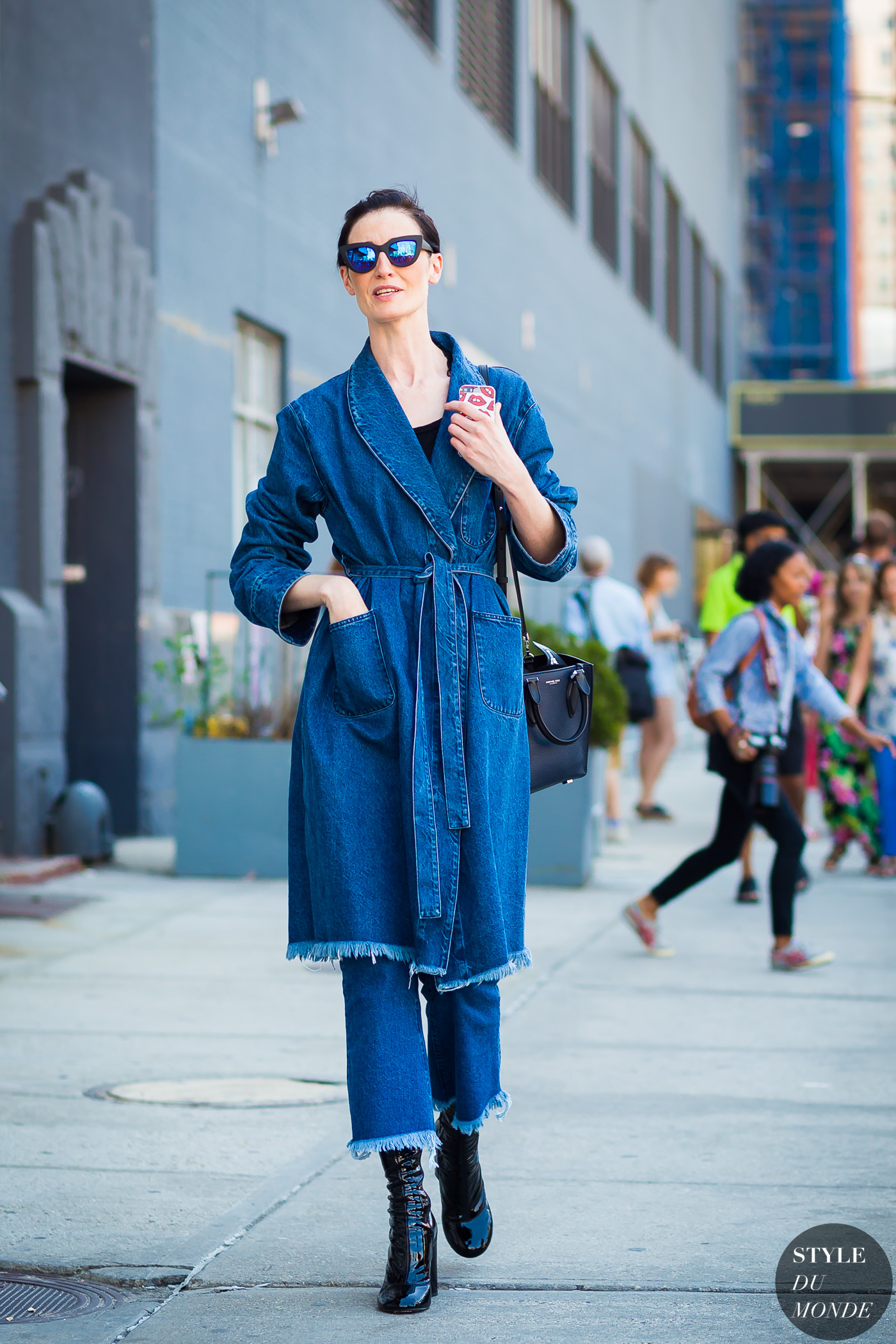 Erin O'Connor Street Style Street Fashion Streetsnaps by STYLEDUMONDE Street Style Fashion Photography