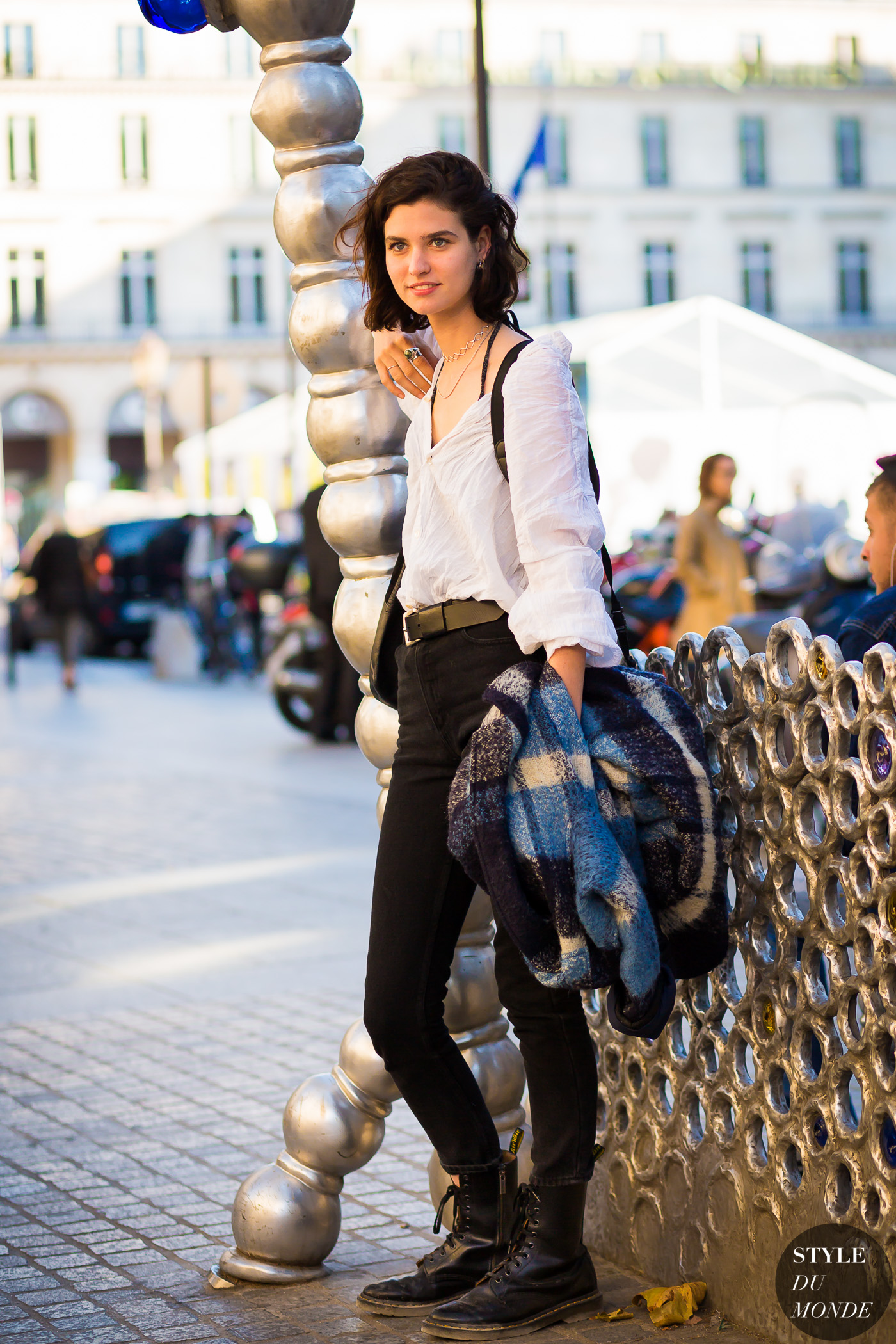 Manon Leloup Street Style Street Fashion Streetsnaps by STYLEDUMONDE Street Style Fashion Photography