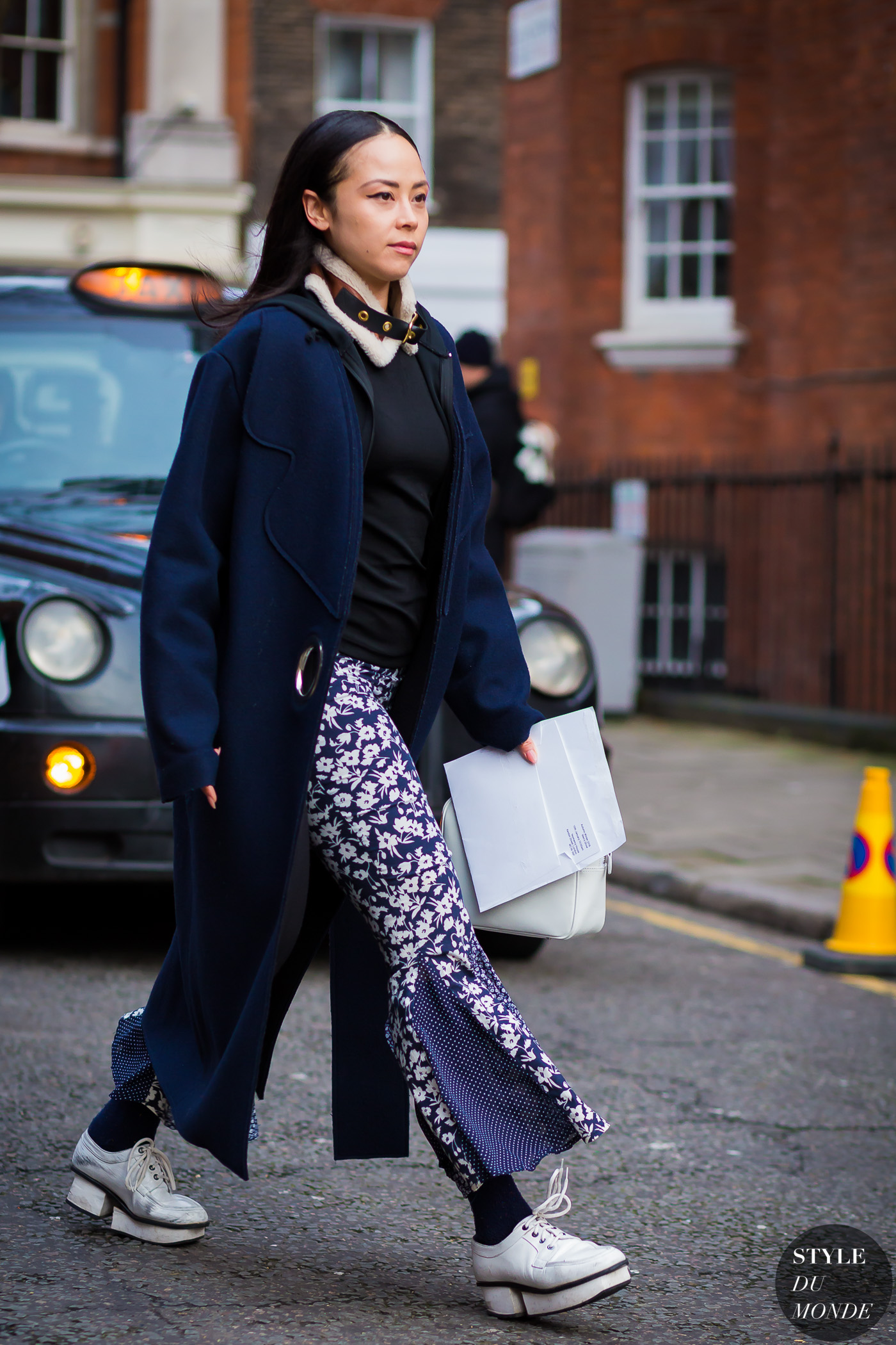 Before JW Anderson Street Style Street Fashion Streetsnaps by STYLEDUMONDE Street Style Fashion Photography