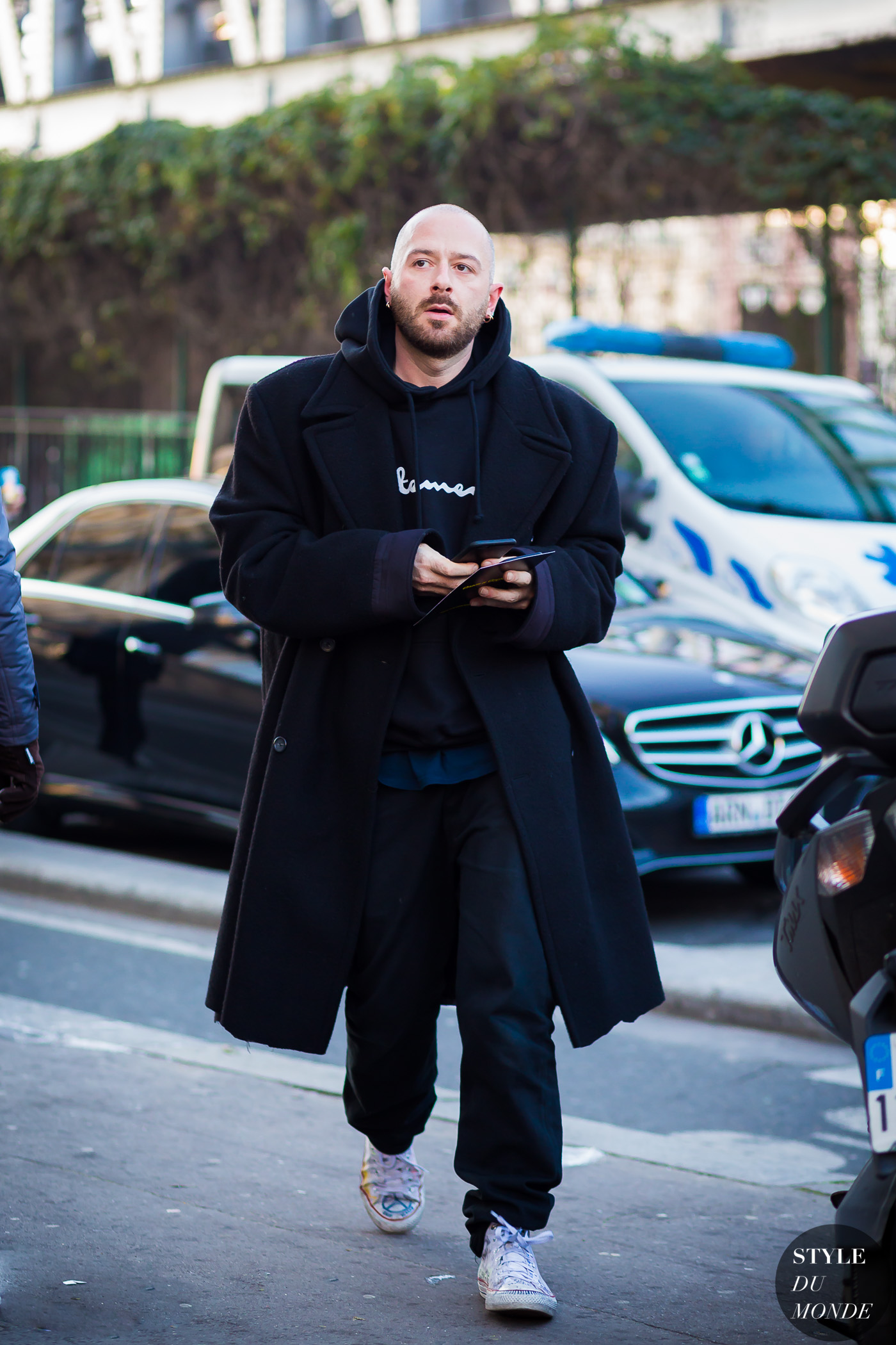 Demna Gvasalia Vetements Balenciaga designer Street Style Street Fashion Streetsnaps by STYLEDUMONDE Street Style Fashion Photography