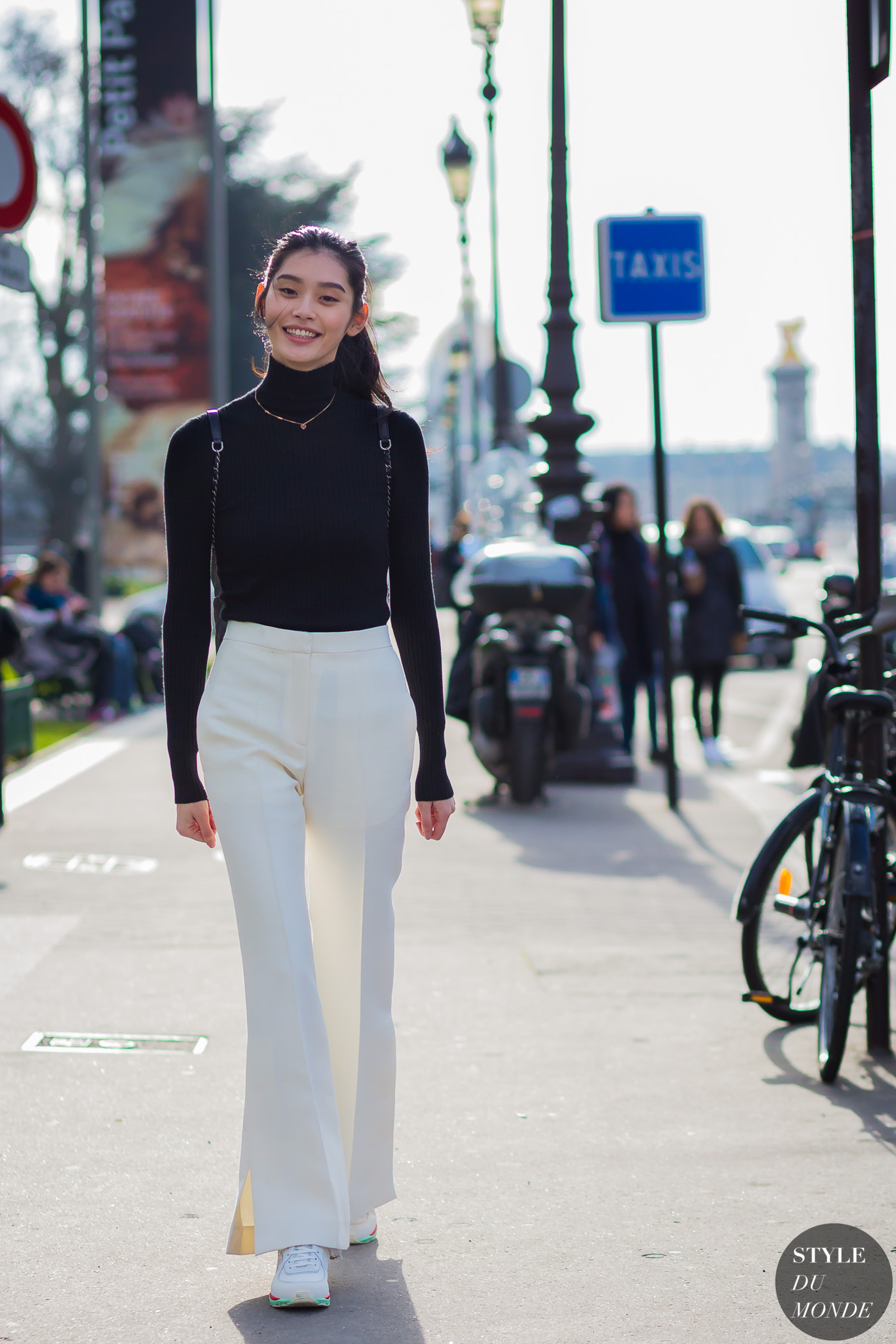 Ming Xi Street Style Street Fashion Streetsnaps by STYLEDUMONDE Street Style Fashion Photography