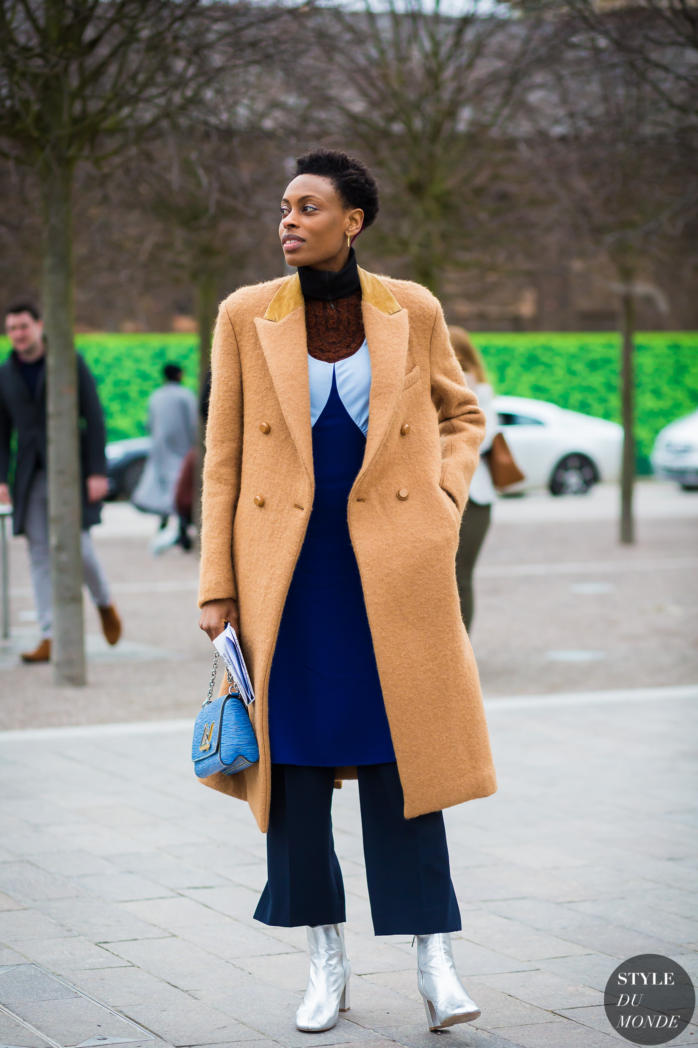Donna Wallace Street Style Street Fashion Streetsnaps by STYLEDUMONDE Street Style Fashion Photography