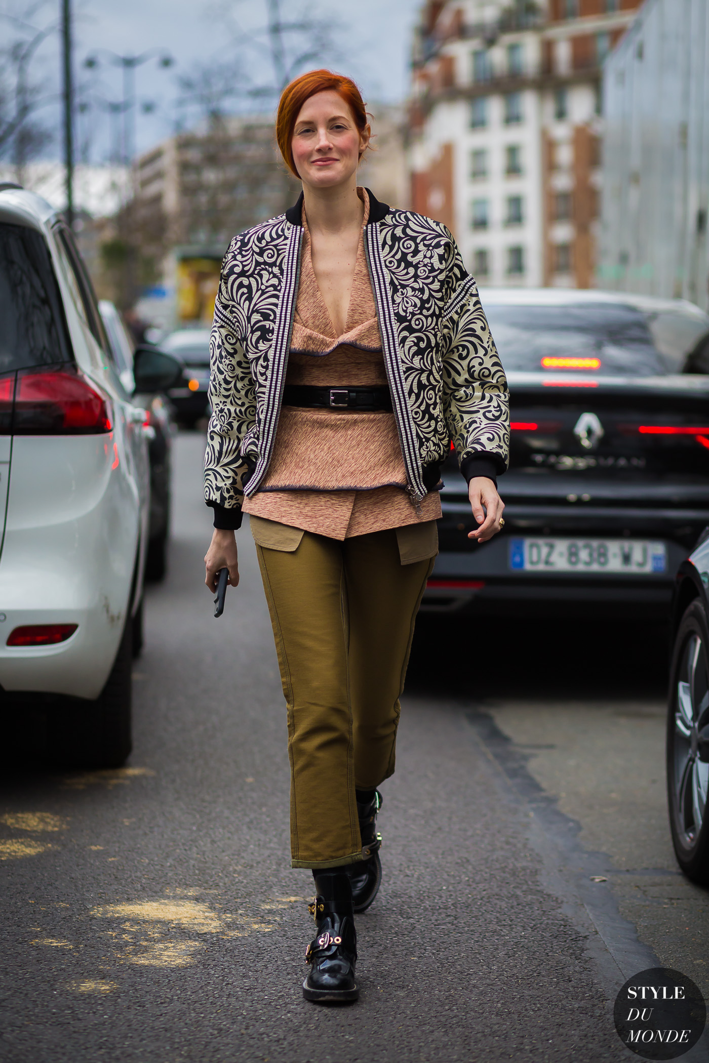 Taylor Tomasi Hill Street Style Street Fashion Streetsnaps by STYLEDUMONDE Street Style Fashion Photography