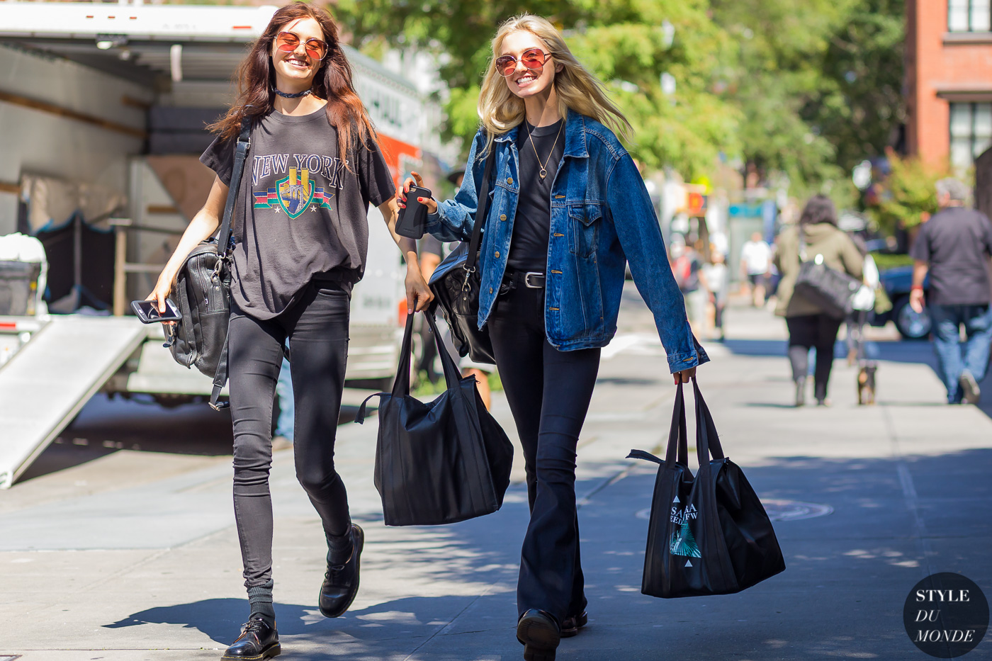 Model Twins Baylee and Kelsey Soles Street Style Street Fashion Streetsnaps by STYLEDUMONDE Street Style Fashion Photography