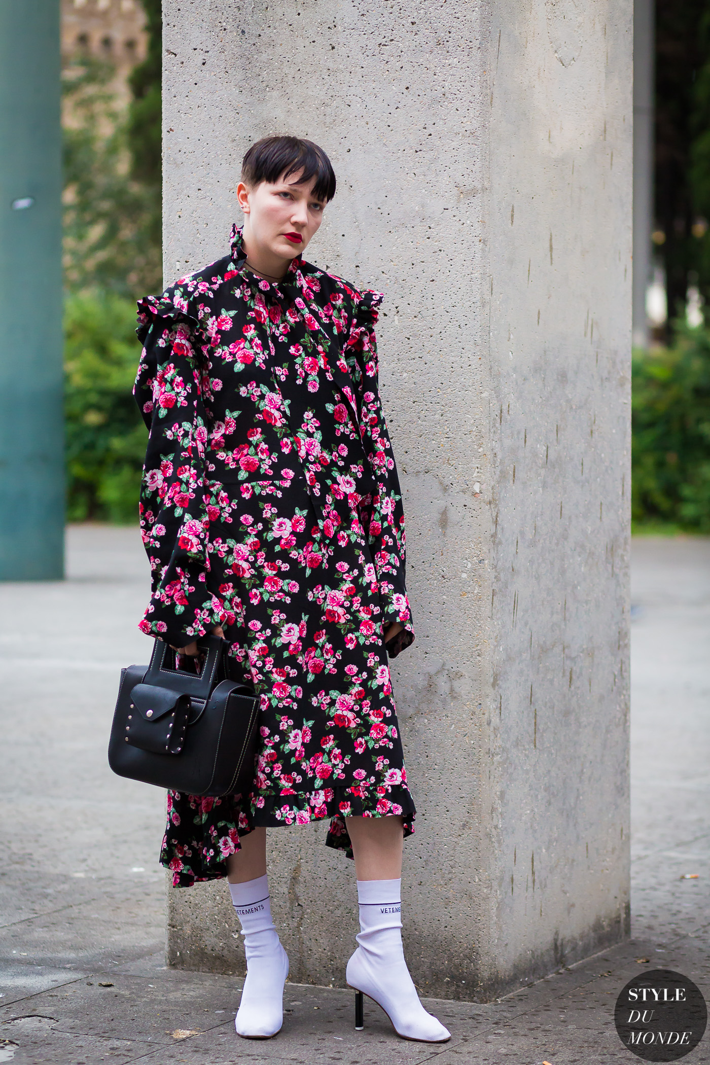 Lotta Volkova Street Style Street Fashion Streetsnaps by STYLEDUMONDE Street Style Fashion Photography