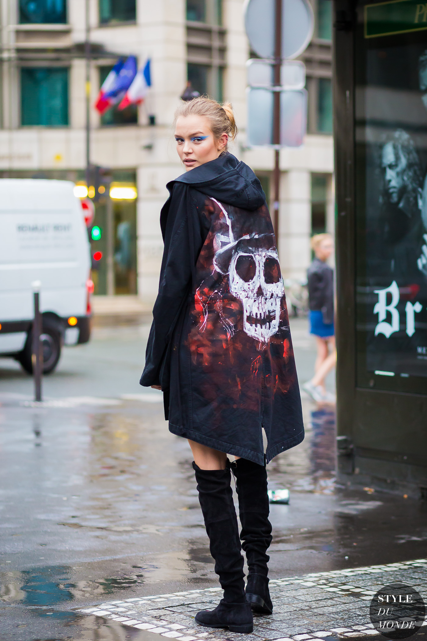 Josephine Skriver Street Style Street Fashion Streetsnaps by STYLEDUMONDE Street Style Fashion Photography