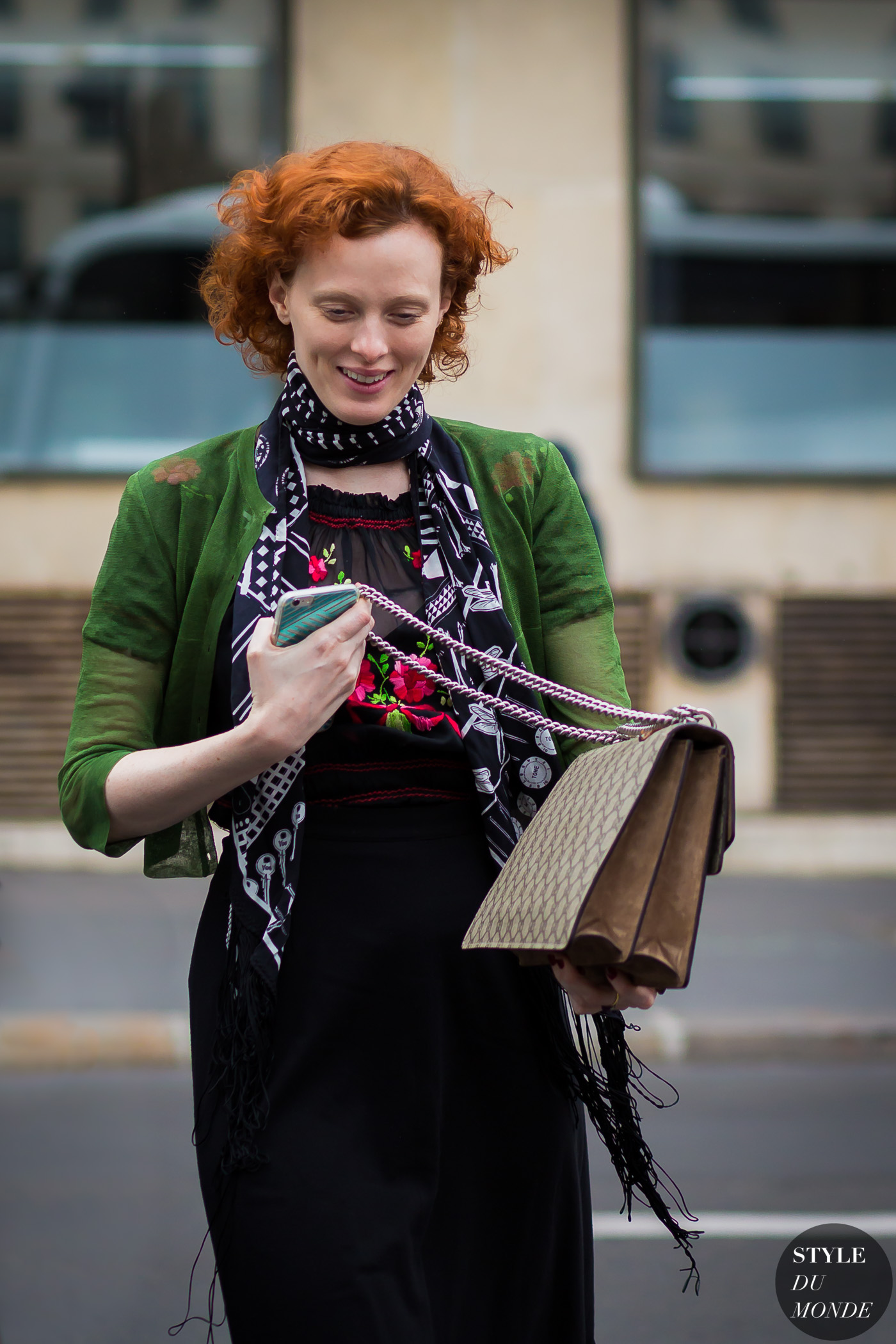 Karen Elson Street Style Street Fashion Streetsnaps by STYLEDUMONDE Street Style Fashion Photography
