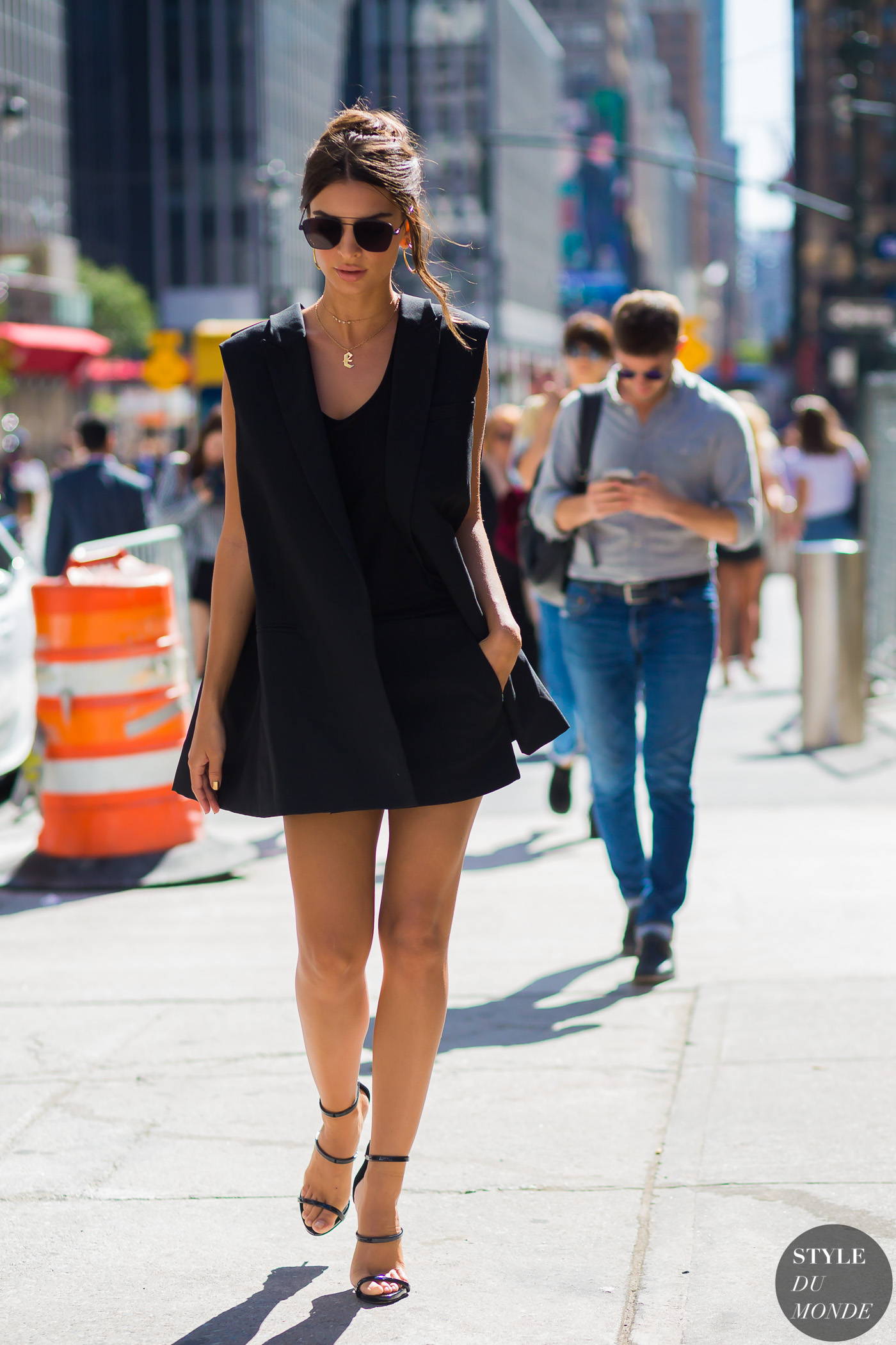 Emily Ratajkowski Style: 15 Looks You Can Easily Steal
