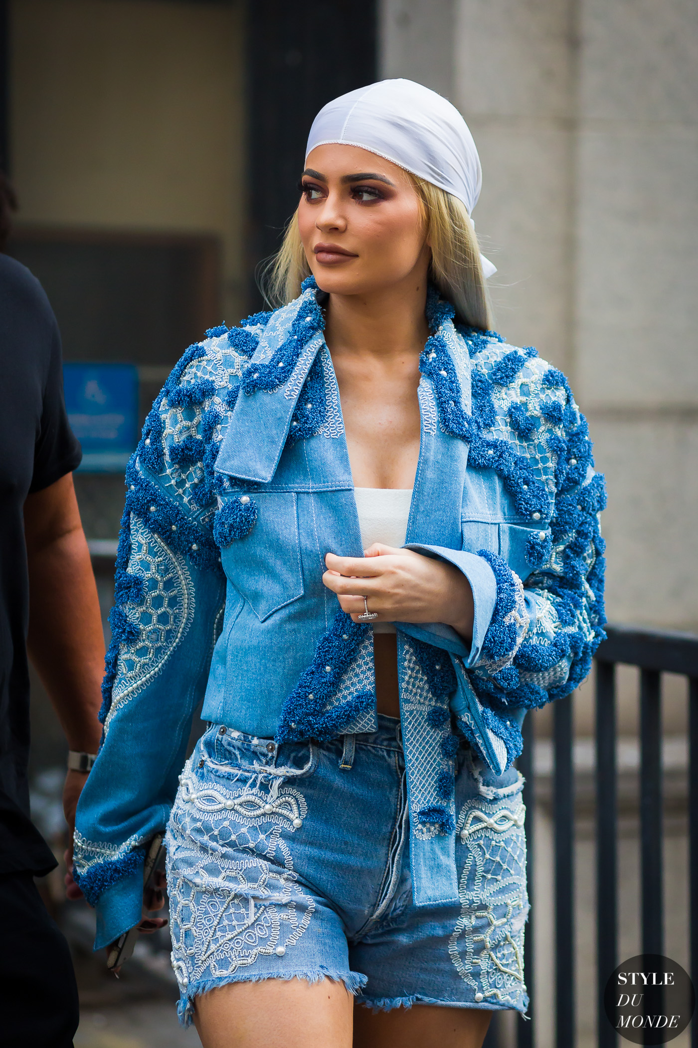 kylie-jenner-by-styledumonde-street-style-fashion-photography
