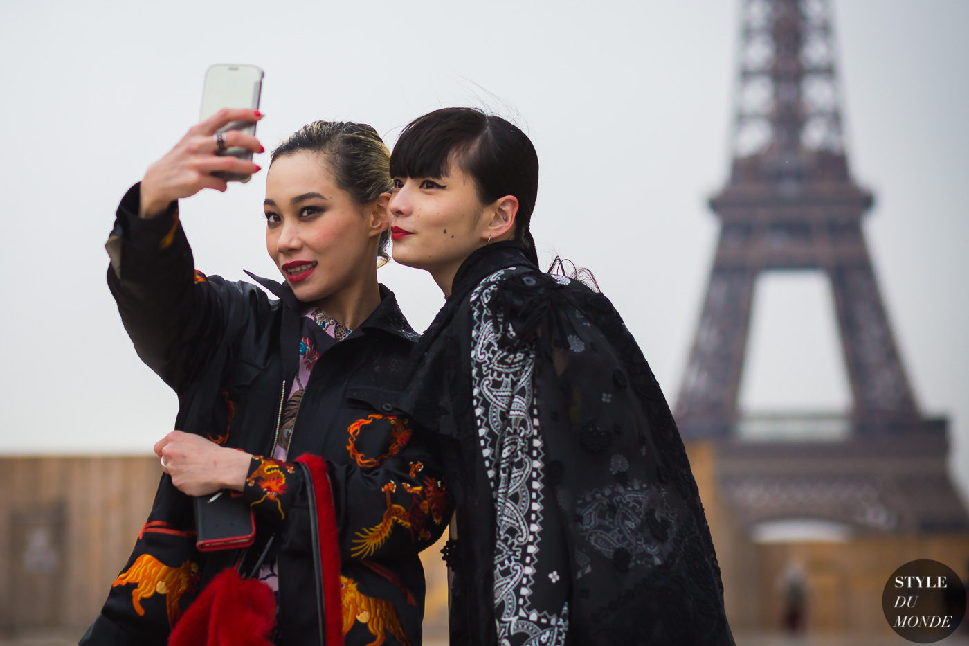 mademoiselle-yulia-and-kozue-akimoto-by-styledumonde-street-style-fashion-photography