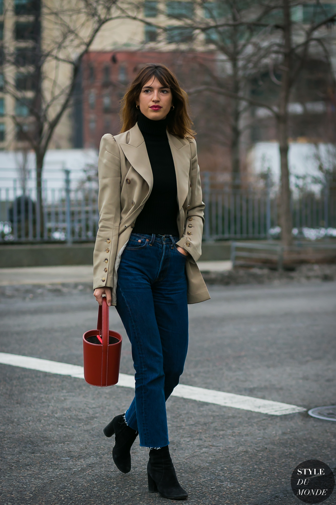 Jeanne Damas by STYLEDUMONDE Street Style Fashion Photography