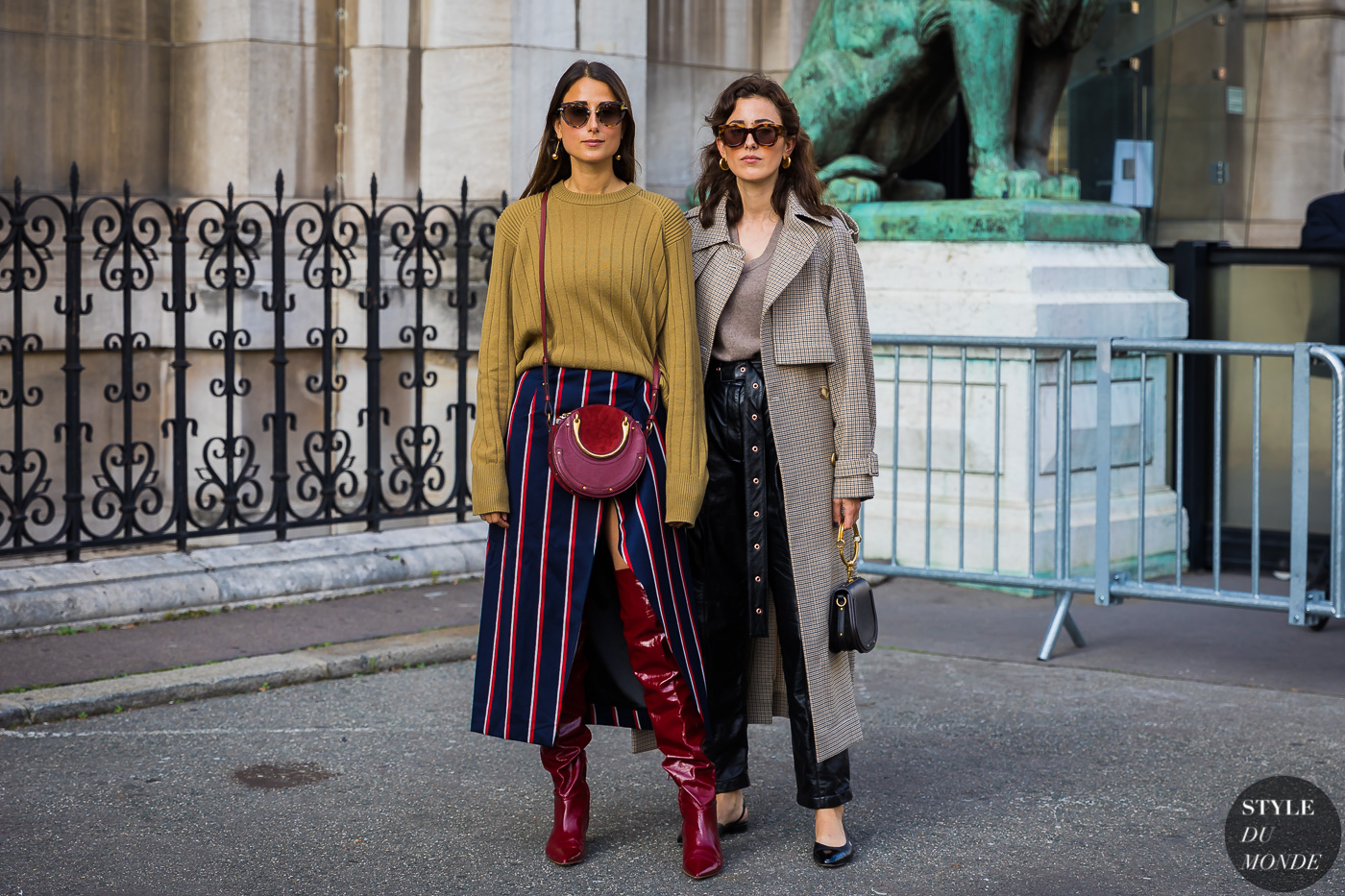 Julia and Sylvia Haghjoo by STYLEDUMONDE Street Style Fashion Photography_48A6902
