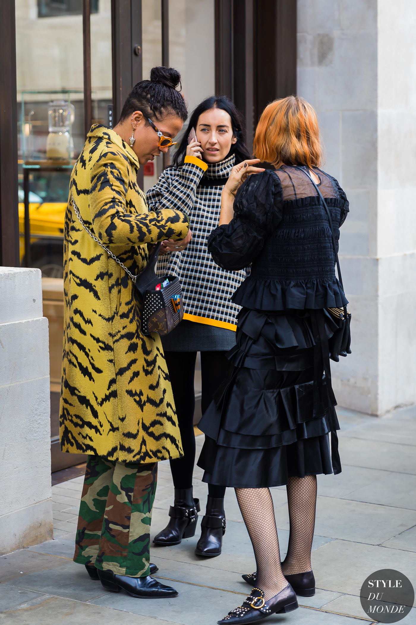 Nell Kalonji Elizabeth Fraser Bell and Katie Shillingford by STYLEDUMONDE Street Style Fashion Photography_48A6051