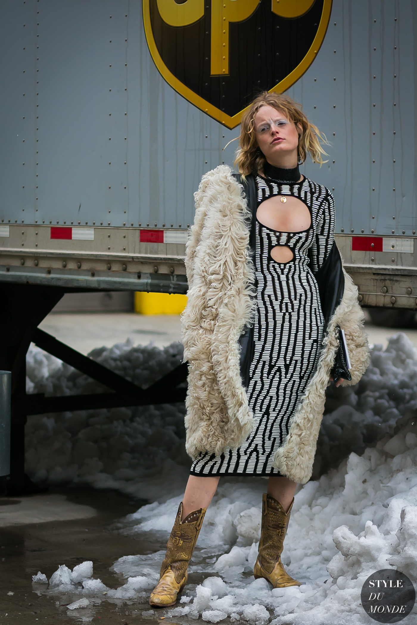 Hanne Gaby Odiele by STYLEDUMONDE Street Style Fashion Photography0E2A5804