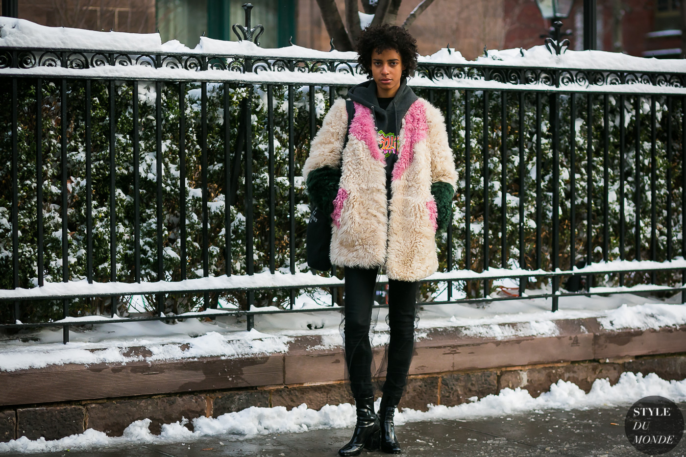 Model off duty by STYLEDUMONDE Street Style Fashion Photography0E2A6774