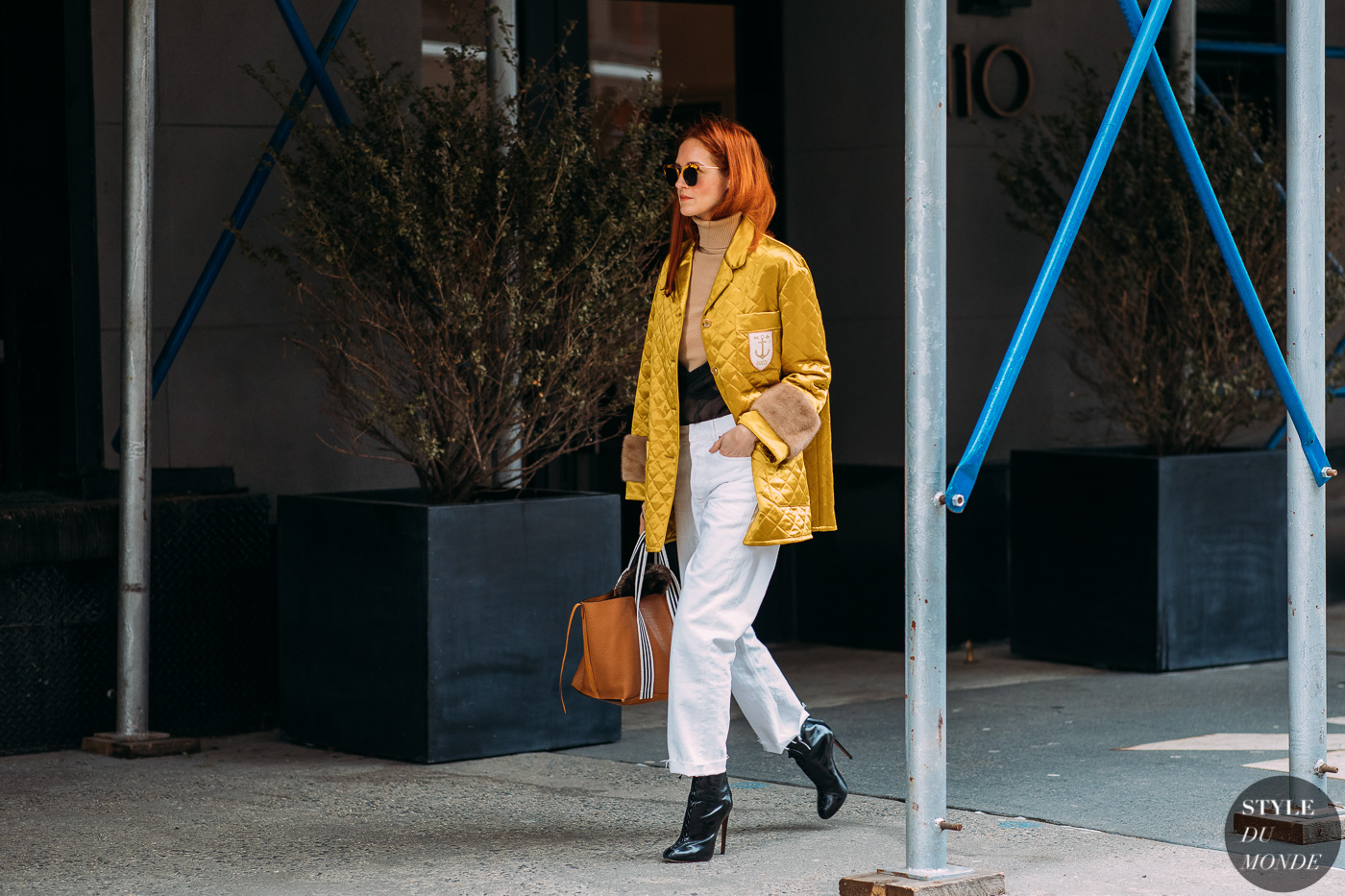 Taylor Tomasi Hill by STYLEDUMONDE Street Style Fashion Photography NY FW18 20180212_48A8484