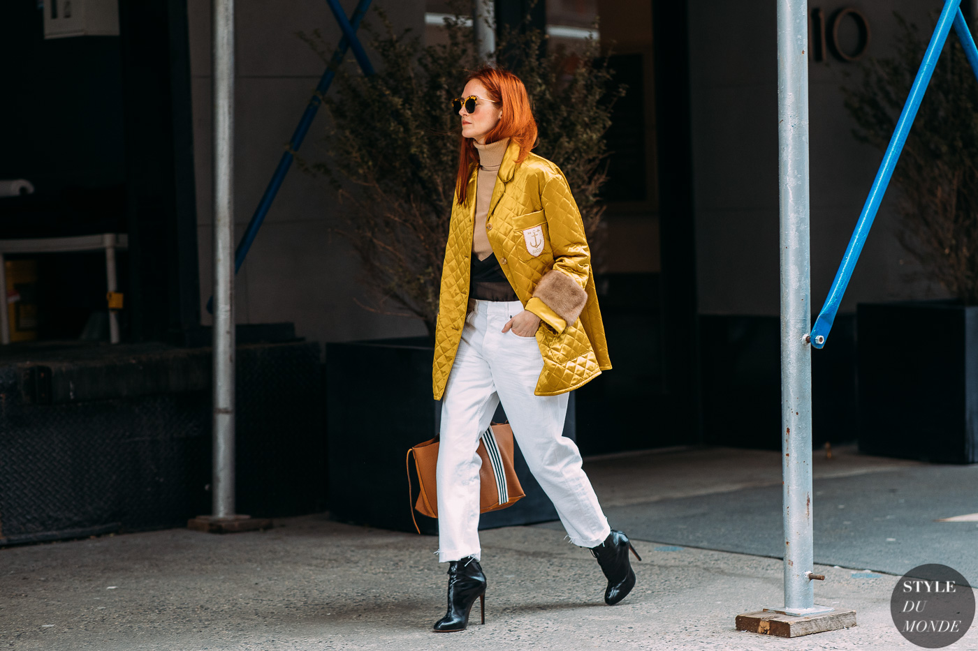 Taylor Tomasi Hill by STYLEDUMONDE Street Style Fashion Photography NY FW18 20180212_48A8487