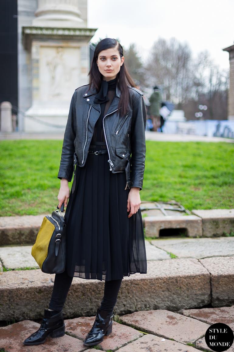 Blackfashion Blog Facebook Puksies Wardrobe Tumblr: Black Pleated Skirt - STYLE DU MONDE