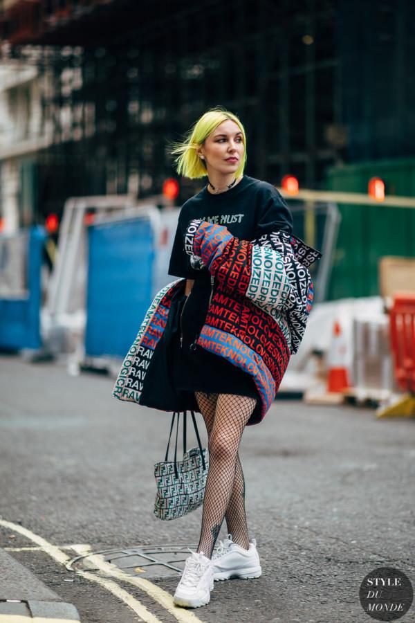 01c420fcef42 London SS19 day1 by STYLEDUMONDE Street Style Fashion  Photography20180914 48A1996