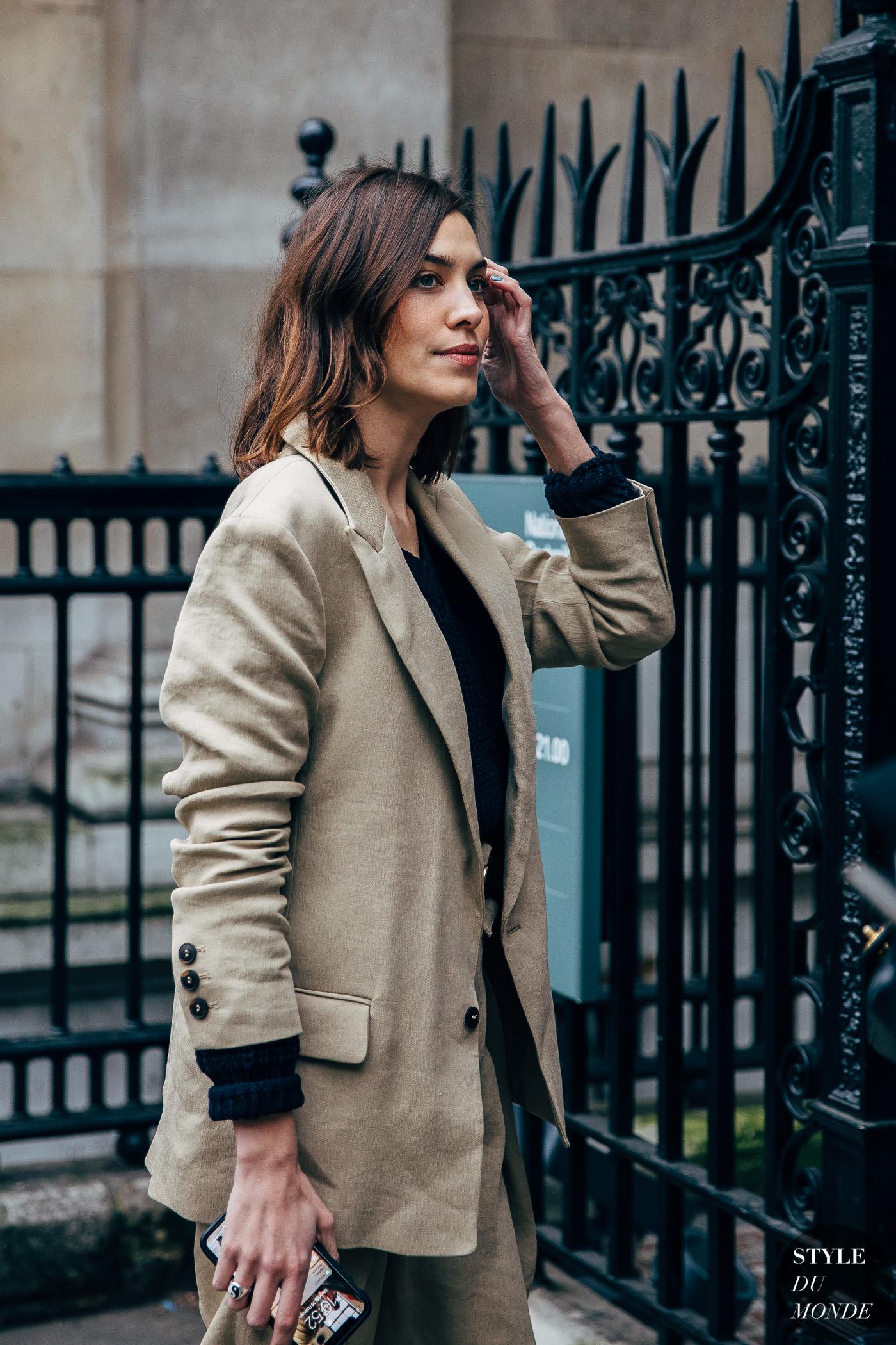 London FW 2019 Street Style: Alexa Chung - STYLE DU MONDE ...