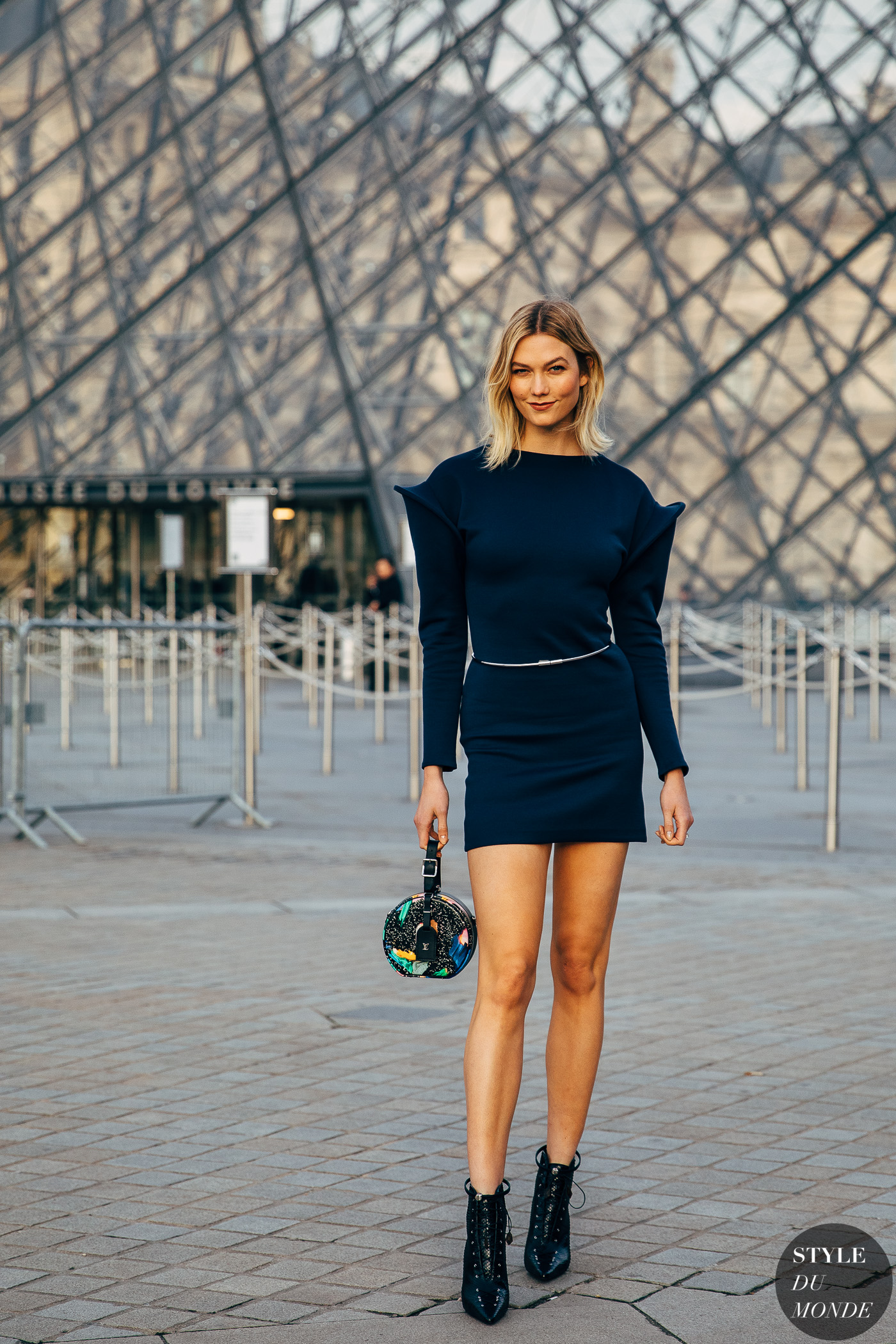 Paris Fw 2019 Street Style Karlie Kloss Style Du Monde Street